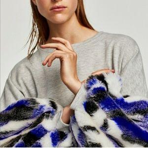 Zara Faux Fur Sleeve Sweatshirt- Medium